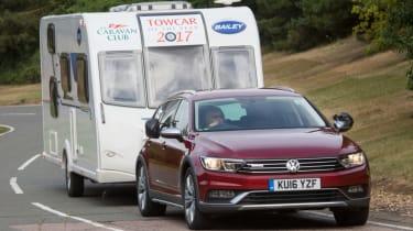 Volkswagen Passat Alltrack - towing