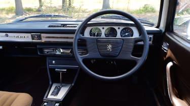 Peugeot 504 - dash