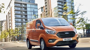 New 2017 Ford Transit Custom front tracking