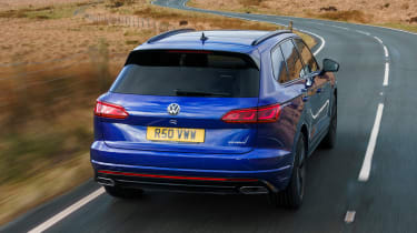 Volkswagen Touareg R - rear tracking