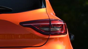 Renault Clio Long termer - brake light