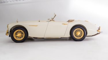Austin Healey 100-Six - side profile