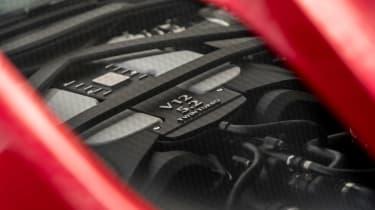 Aston Martin DBS Superleggera - engine