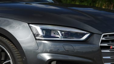Audi S5 Cabriolet - headlight