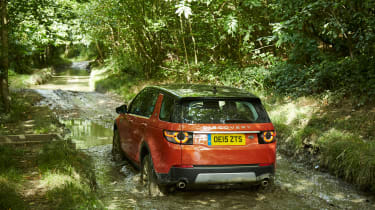 Land Rover Discovery Sport - rear off-road