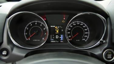 Mitsubishi ASX - dials