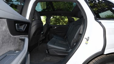 Audi SQ7 Vorsprung - rear seats
