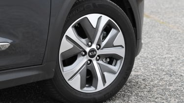 Kia e-Niro - wheel