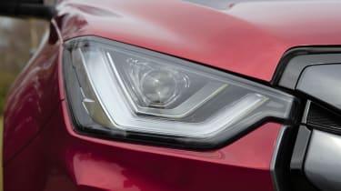 Isuzu D-Max - front light