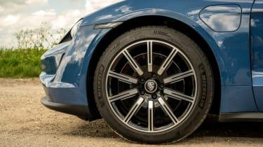 Porsche Taycan RWD - wheel