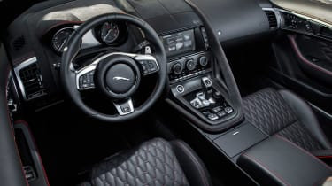 Jaguar F-Type SVR Convertible - steering wheel