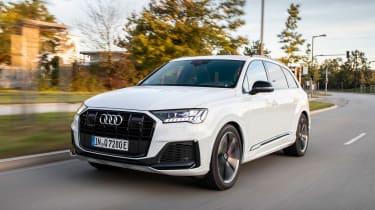 Audi Q7 60 TFSI e - front tracking