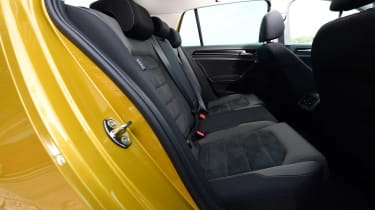 Volkswagen Golf 2017 facelift 1.5 TSI EVO - rear seats