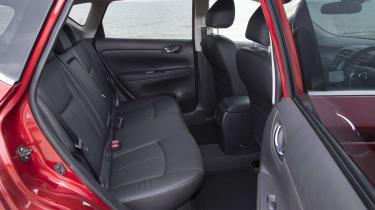 Nissan Pulsar 1.5 dCi Tekna rear seats