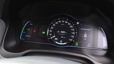 Hyundai IONIQ hybrid 2016 UK - instruments