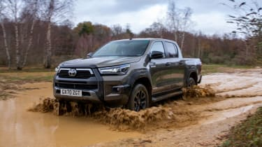 Toyota Hilux - front off road