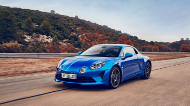 Alpine A110 - front panning