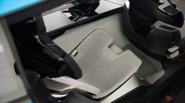 Peugeot Instinct concept - seat