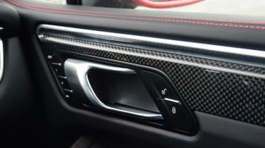 Porsche Macan GTS - door handle
