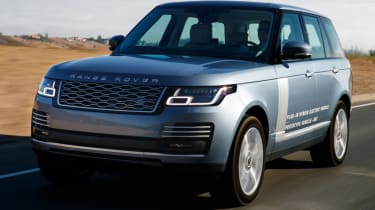 New Range Rover PHEV 2017 review - driving straight