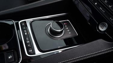 Jaguar F-Pace - centre console