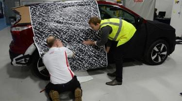 Nissan Qashqai camouflage - zebra print