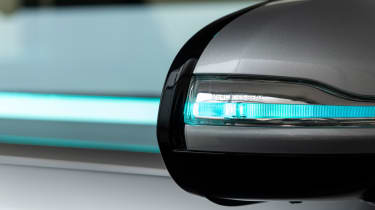 Mercedes Co-operative car - wing mirror