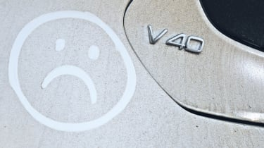 Volvo V40 badge