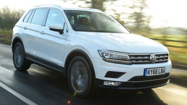 Volkswagen Tiguan SE L - front tracking
