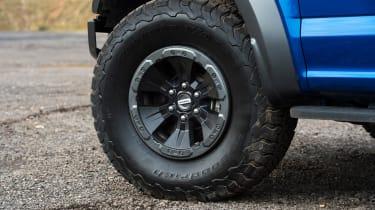Ford F-150 Raptor pick-up truck - wheel