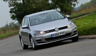 Volkswagen Golf Bluemotion front tracking