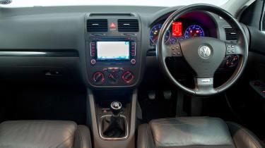 Volkswagen Golf Mk5 (used) - dash