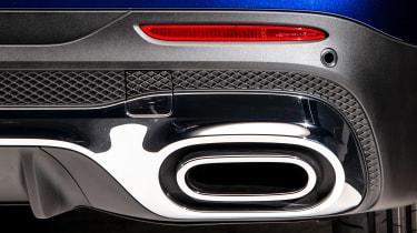 Mercedes GLB - studio exhaust