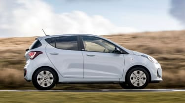 Hyundai i10 Play side