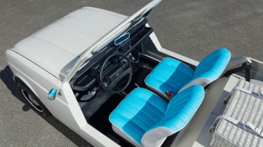 Renault 4 Plein Air beach car - interior