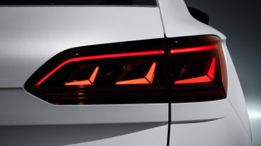 Volkswagen Touareg - rear light 3