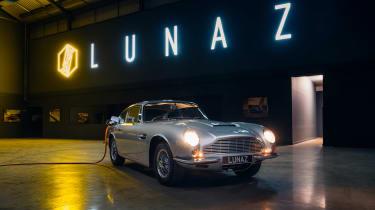 Lunaz Aston Martin DB6 - front