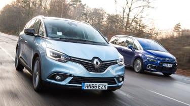Renault Grand Scenic vs Citroen Grand C4 Picasso - head-to-head