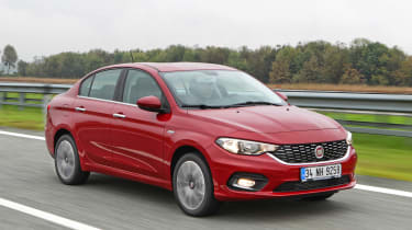 New Fiat Tipo 2016 front tracking 2