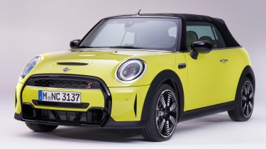 MINI Convertible facelift - hood up