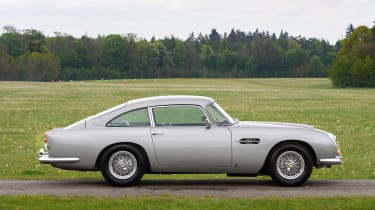 Aston Martin DB5 - coupe side