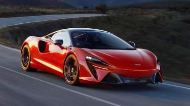 McLaren Artura - front