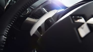 Mitsubishi L200 - steering wheel detail