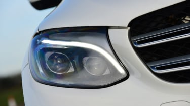 Mercedes GLC - front light detail