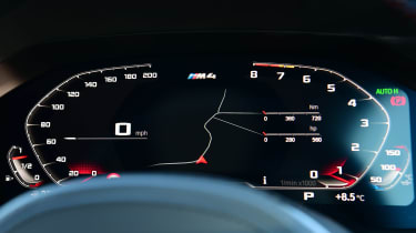 BMW M4 Competition - dials