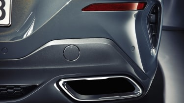 BMW 8 Series Convertible - exhaust