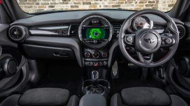 MINI Cooper 5 door 2018 interior