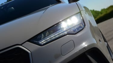Audi RS7 Performance - front light
