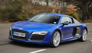Audi R8 coupe front tracking