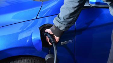 Hyundai Ioniq Plug-in long term - first report plugged in
